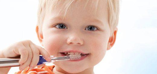 ultrazvočna zobna ščetka