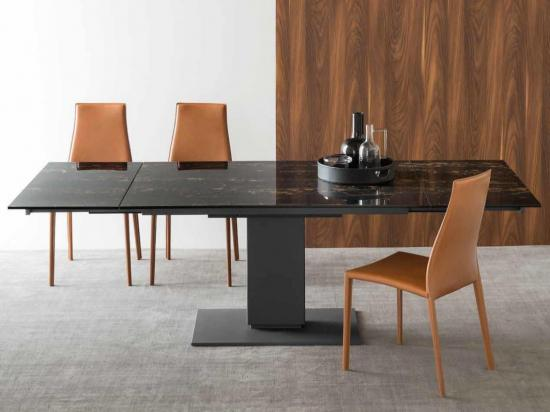 Jedilne mize in stoli Maros