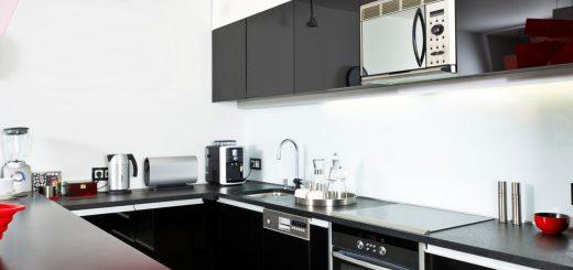 Moderne kuhinje pestrih barv