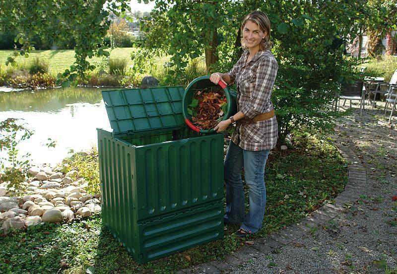 kaj sodi v kompostnik
