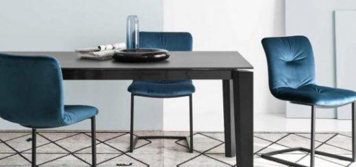 miza in stoli za jedilnico
