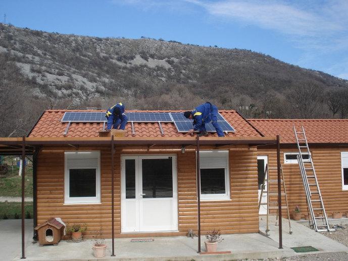 izkušnje z izkoristkom sončne elektrarne na vikendu