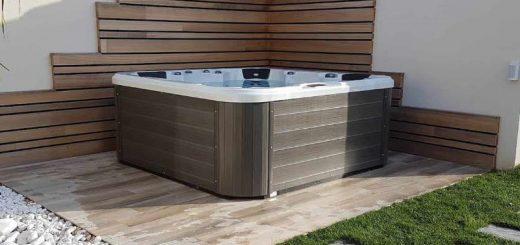 Masažni bazen
