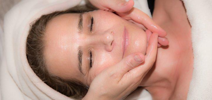 Sproščujoča masaža obraza
