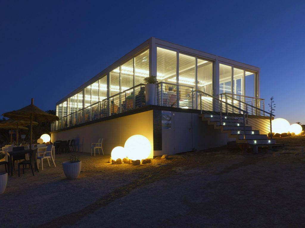 Osvetljena bioklimatska pergola