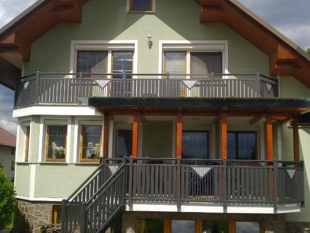 Kovinske ograje za balkone in stopnice