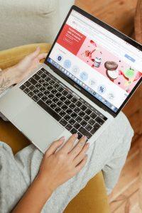 Izdelava spletne trgovine v WordPress, Magento ali Shopify CMS urejevalniku